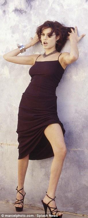 Анжелина Джоли1