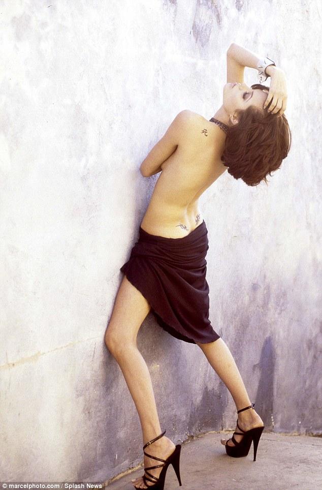 Анжелина Джоли3