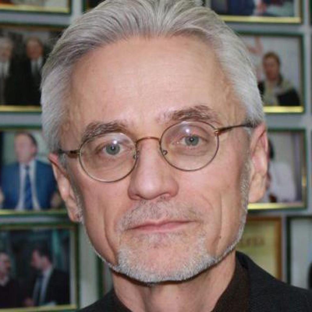 Александр Мотыль
