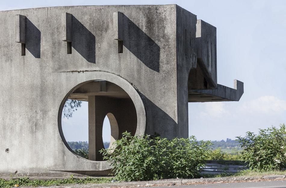 Советская автобусная остановка — Абхазия, г. Пицунда №2