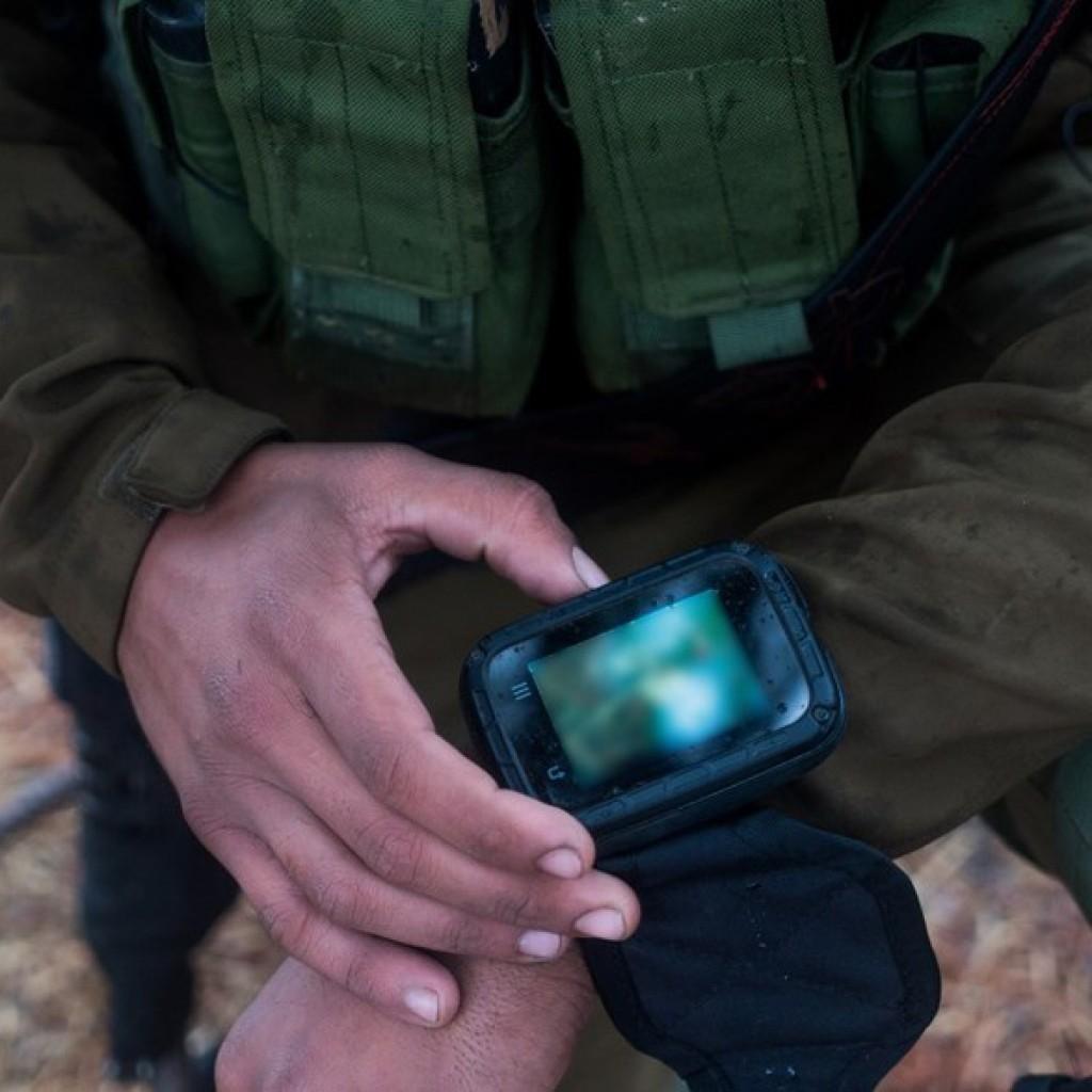 Смартфон-часы для солдата