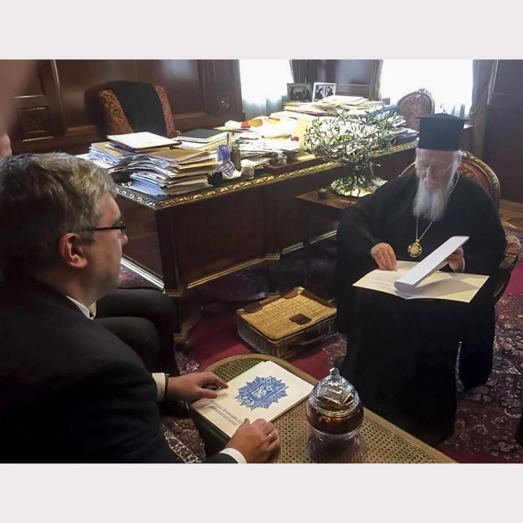 Заместитель главы АП Павленко в Стамбуле передал патриарху Варфоломею обращение о церкви в Украине