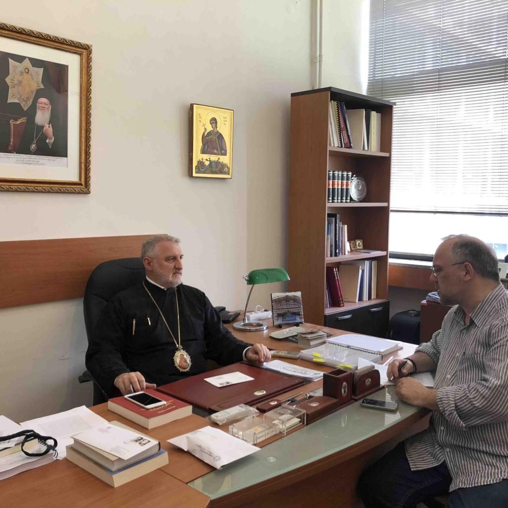 Митрополит Элпидофор и журналист Афанасий Авгеринос