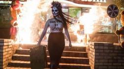 На хэллоуин Femen «поздравил» Порошенко возле магазина «Рошен»