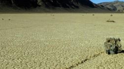 Ученые разгадали загадку блуждающих камней из Долины Смерти