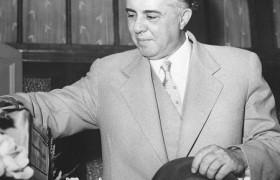 «Албанский мясник» и последователь Сталина  Энвер Ходжа