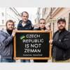 «Украина, прости»: Чехи устроили флешмоб в поддержку украинцев