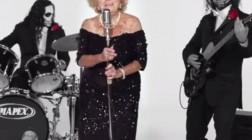 96-летняя Инге Гинзберг поет в стиле Death Metal: «Смейся над смертью»
