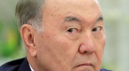 Бессменный Назарбаев: культ личности президента Казахстана