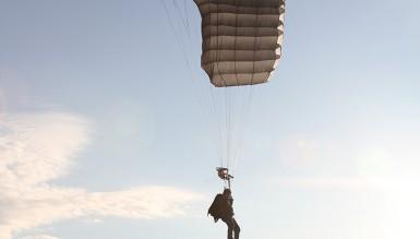В Украине созданы новые парашютные системы специального назначения