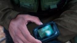 Израильских солдат экипируют смартфонами