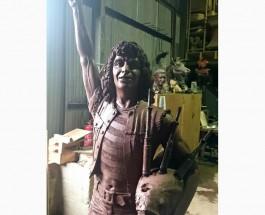Бону Скотту, первому вокалисту AC/DC, в Шотландии установят памятник