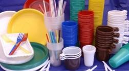 В ЕС полностью запретили одноразовую пластиковую посуду