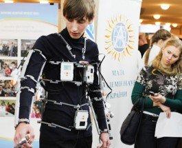 Экзоскелет для бабушки: киевлянин создал костюм для реабилитации конечностей