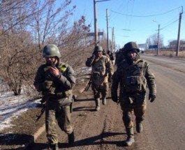 «Передайте Порошенко – он гандон», – защитники Украины с боями выходят из окружения в Дебальцево