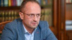 Роман Бессмертный: если Украина на видеоконференции ТКГ предложит людей в Консультативный совет, вряд ли Зеленский до нового года добудет президентом