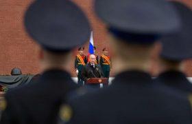 Кремль переходит в атаку на Украину в преддверии экономического и социального кризиса