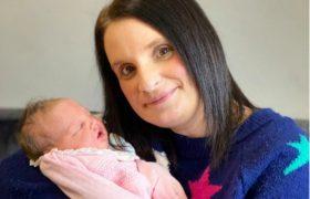 Самая многодетная мама Британии родила 22-го ребенка в 45 лет