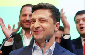 Победа Зеленского стала окном возможностей. Пролезть в него теперь пытаются все.